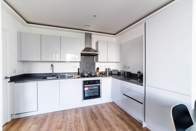 Flat to rent in Lurke Street, Bedford