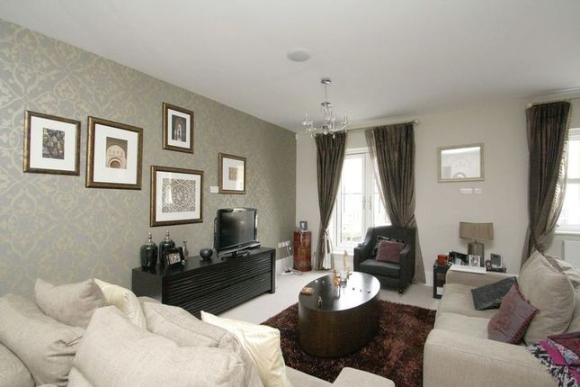 Thumbnail Town house to rent in Hawtrey Road, Windsor