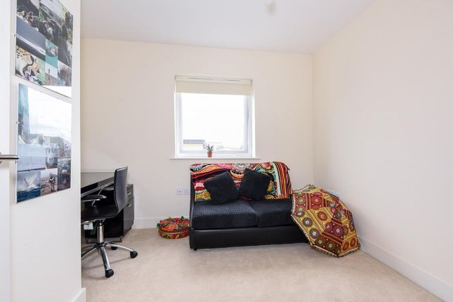 Bedroom of Reading, Berkshire RG2