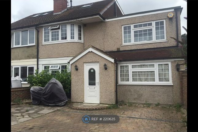Thumbnail Room to rent in Longford Avenue, Feltham
