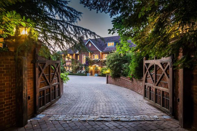 Thumbnail Property for sale in Fernden Lane, Haslemere