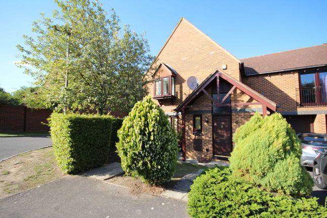 Thumbnail Maisonette to rent in Top Common, Warfield, Bracknell