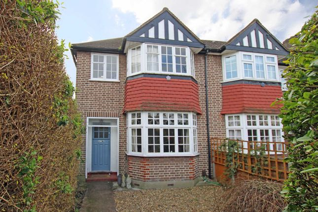 3 bed property for sale in Lincoln Avenue, Twickenham