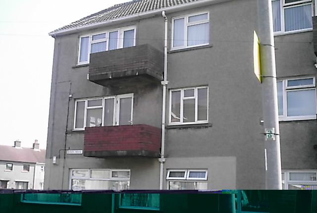 Flat to rent in Victoria Road, Port Talbot