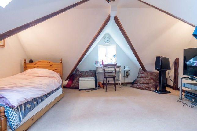 Dialhouse Lane Coventry Cv5 4 Bedroom Semi Detached