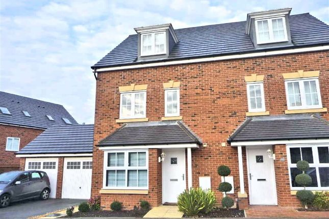 Thumbnail Town house to rent in Randall Drive, Oxley Park, Milton Keynes, Bucks