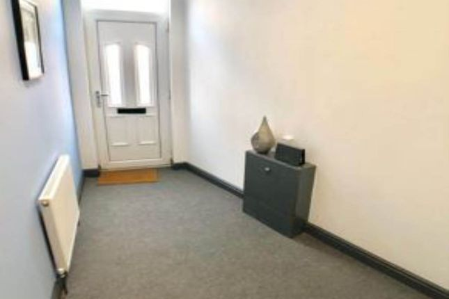Thumbnail Room to rent in Elmfield Road, Hyde Park, Doncaster