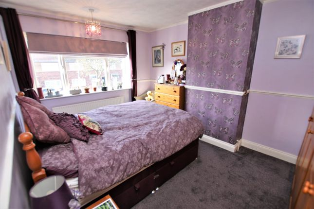 Bedroom of Chestnut Close, Hayes UB3