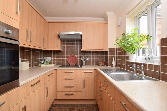Thumbnail Property for sale in Brambledown Road, Wallington, Surrey