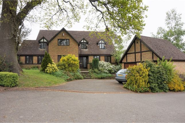 Thumbnail Detached house for sale in Parsonage Close, Petersfield