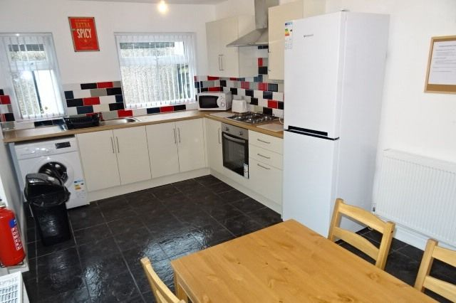 Thumbnail Terraced house to rent in Windsor Road, Treforest, Pontypridd