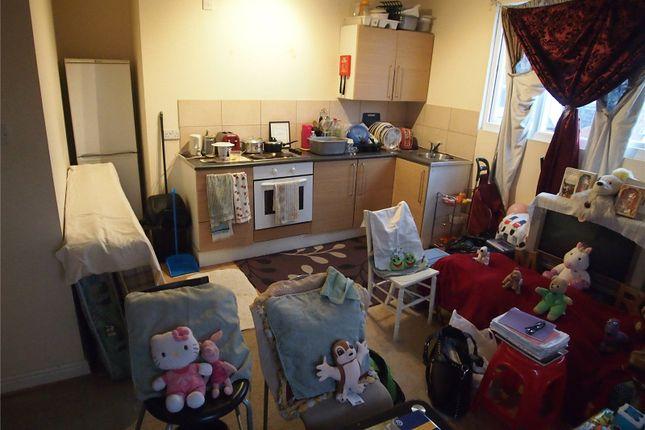 Picture No. 04 of 38 - 40 Trentham Street, Leeds, West Yorkshire LS11