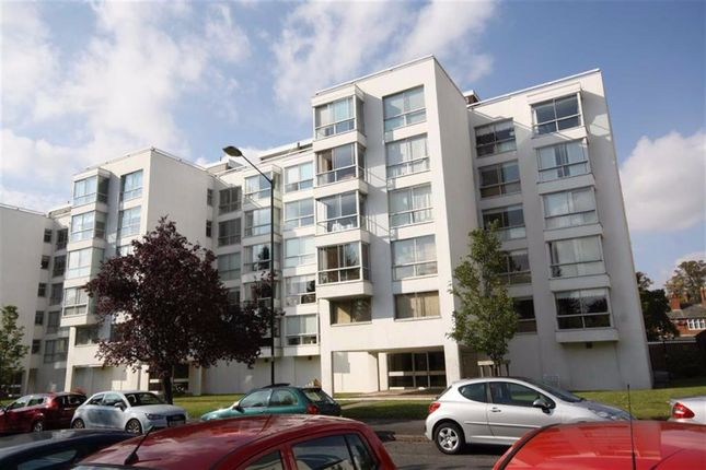 Thumbnail Flat to rent in Newbold Terrace, Leamington Spa