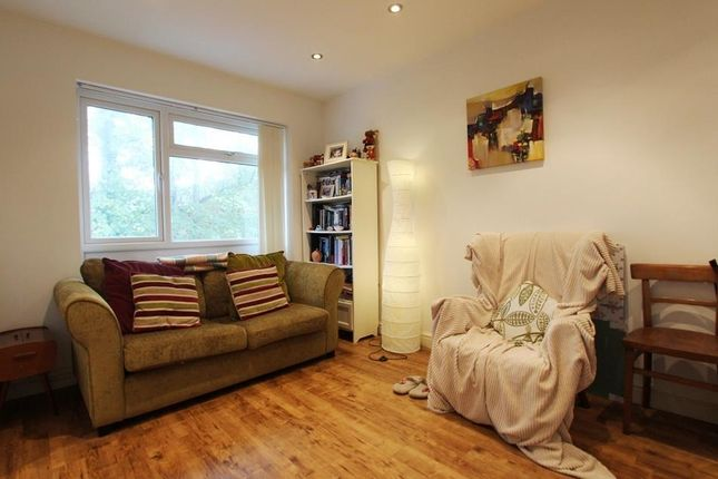 Flat to rent in Greenfield Avenue, Canton, Cardiff