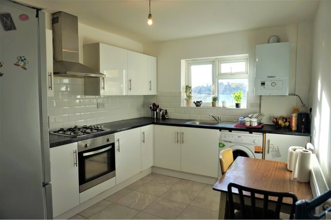 Thumbnail Flat for sale in Parchmore Road, Thornton Heath
