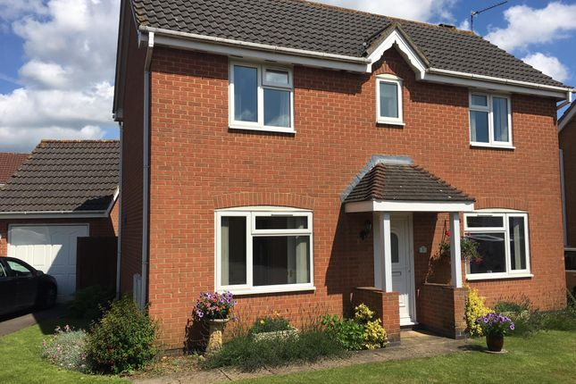 Thumbnail Property to rent in Wetherby Close, Chippenham