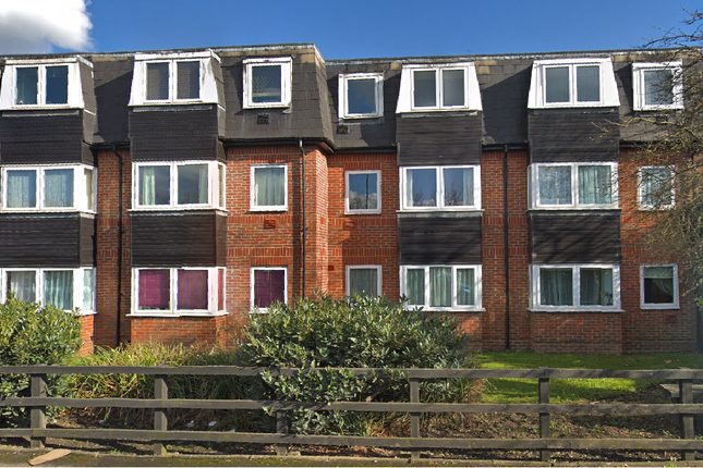 Thumbnail Flat to rent in Poyle Road, Slough
