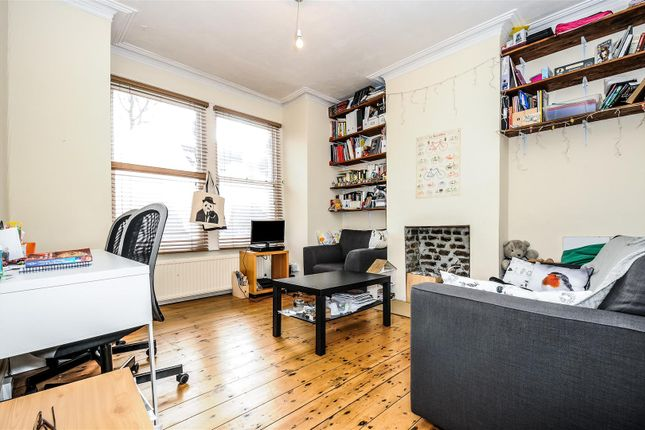1 bed flat to rent in Twilley Street, London