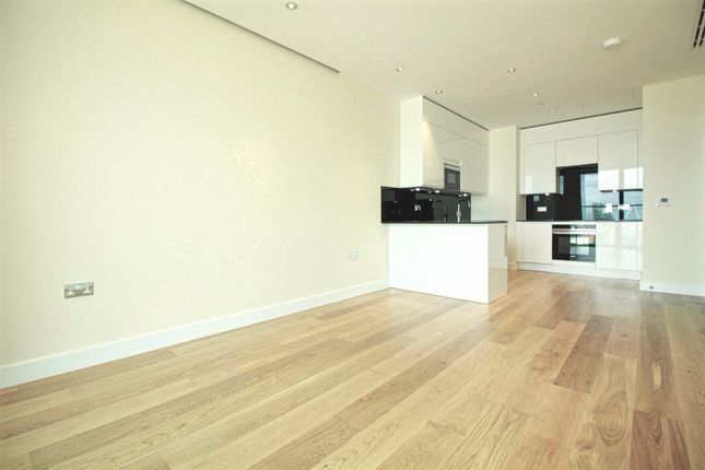 Thumbnail Flat to rent in Waterview Drive, London