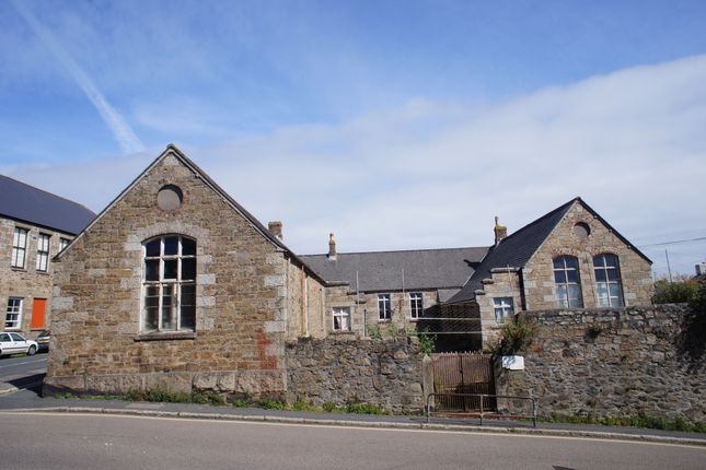 Thumbnail Town house for sale in Taroveor Road, Penzance
