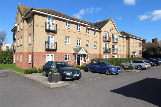 Main Picture of Ensign Close, Leigh-On-Sea SS9