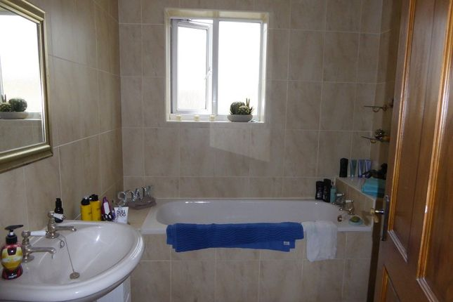 Family Bathroom of Iron Way, Tondu, Bridgend. CF32