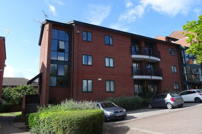3 bed flat to rent in Priory Wharf, Birkenhead