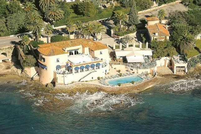 Thumbnail Property for sale in 83990 Saint-Tropez, France