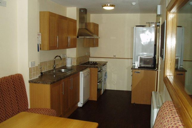 Thumbnail Flat to rent in Hawks Road, Kingston Upon Thames