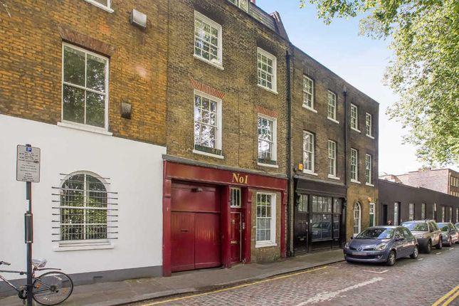 2 bed flat to rent in Helmet Row, London