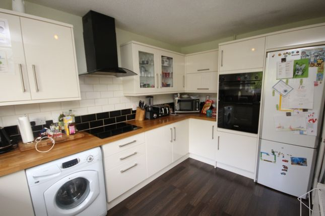 Thumbnail Property to rent in Greatfield Close, Harpenden
