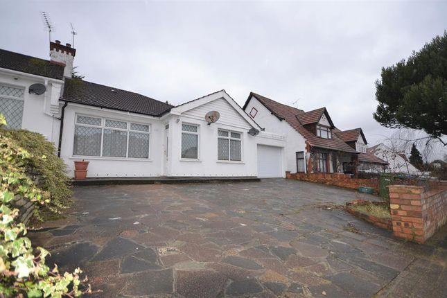 Thumbnail Bungalow to rent in Manor Drive, Wembley Park, Middlesex