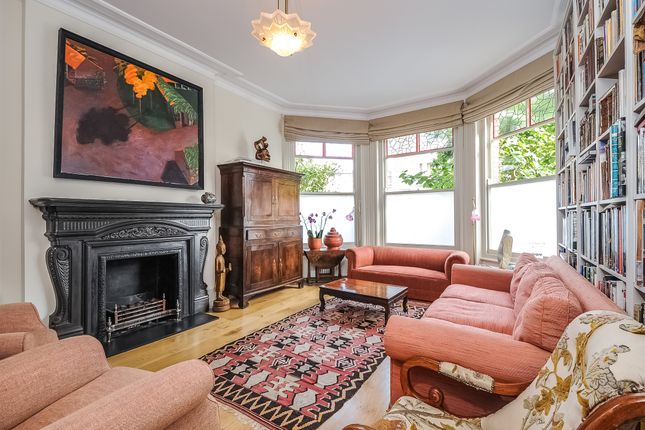 Detached house to rent in Exeter Road, Queens Park