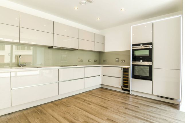 Thumbnail Property to rent in Potters Row, Stratford