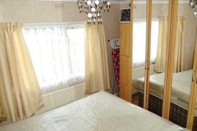 Bed 2 of Hawthorn Holiday Park, Bempton Lane, Bridlington YO16