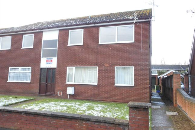 Thumbnail Flat to rent in Warwick Road, Scunthorpe