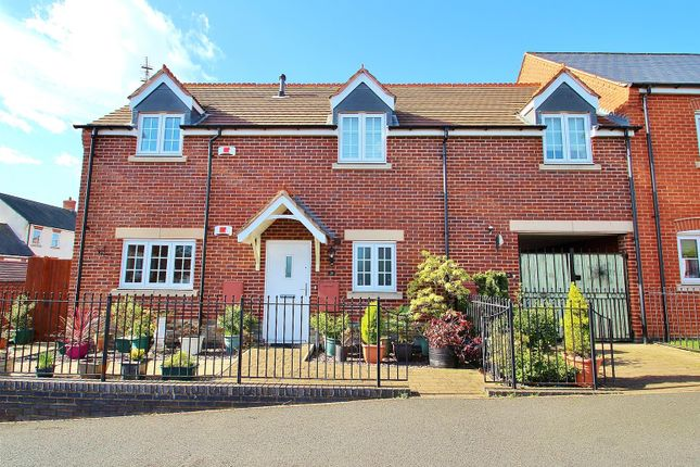 Thumbnail Flat for sale in Palmer Square, Birstall, Leicestershire