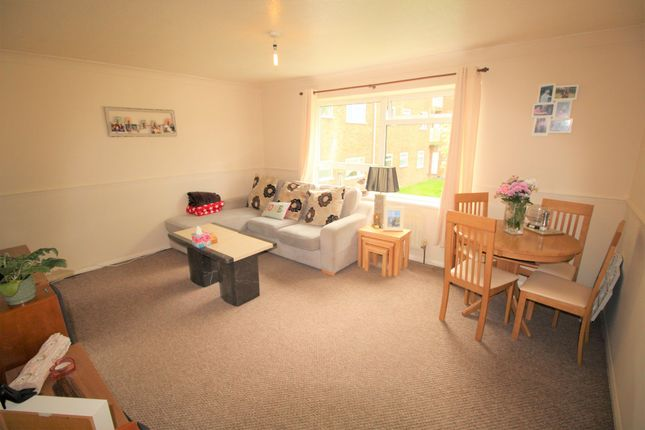Thumbnail Flat to rent in Osterley Close, Bragbury End, Stevenage, Herts