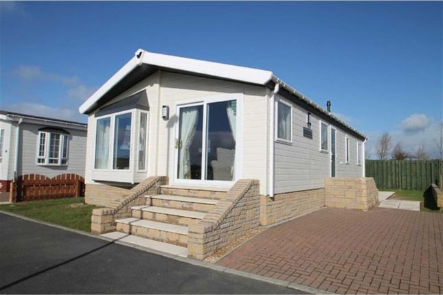 Thumbnail Detached bungalow for sale in Burnhouse, Beith