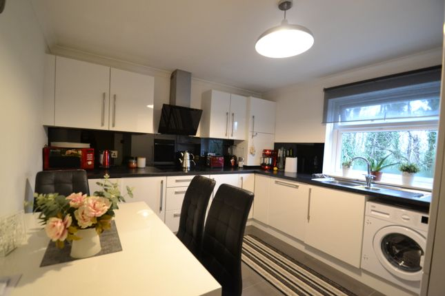 Thumbnail Flat to rent in Longmore Avenue, Barnet