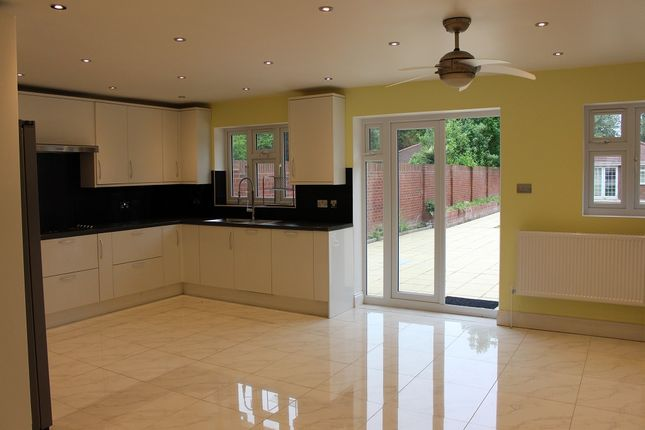 Thumbnail Detached house to rent in Wellesley Avenue, Richings Park, Iver