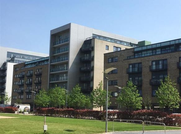1 bed flat to rent in Breakwater House, Prospect Place, Cardiff Bay CF11