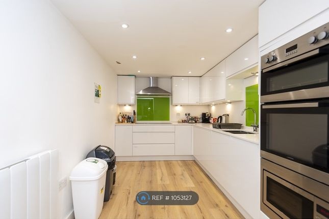 Thumbnail Room to rent in Lgm House, Haywards Heath