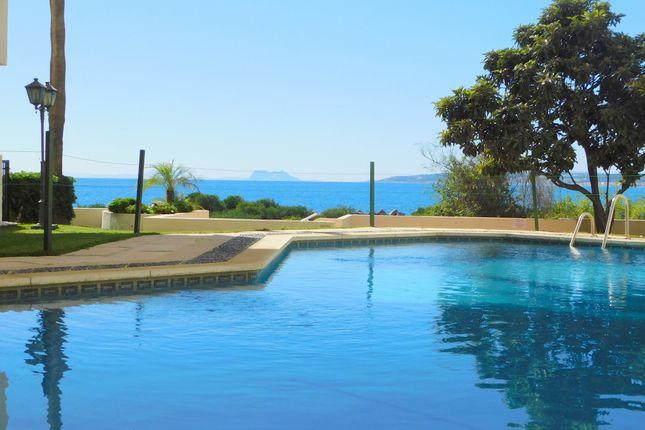 Thumbnail Apartment for sale in Marina Bay, Estepona, Málaga, Andalusia, Spain