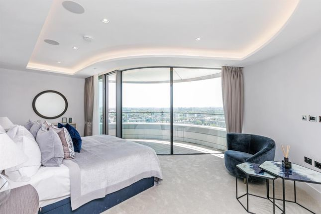 Bedroom of Tower Two, The Corniche, 23 Albert Embankment, London SE1