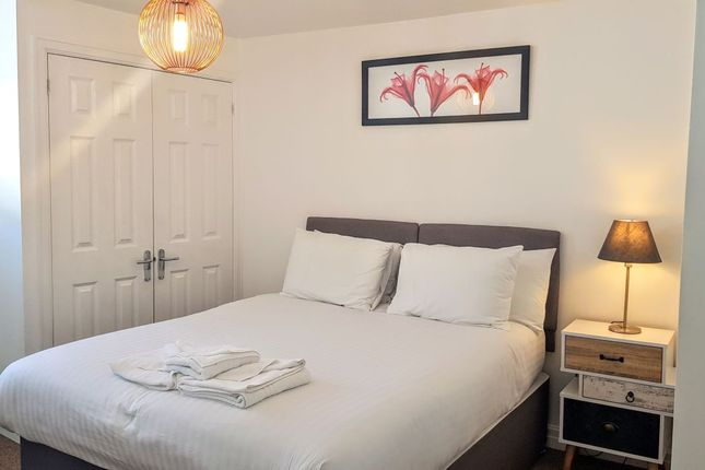 Thumbnail Flat to rent in West Street, Exeter
