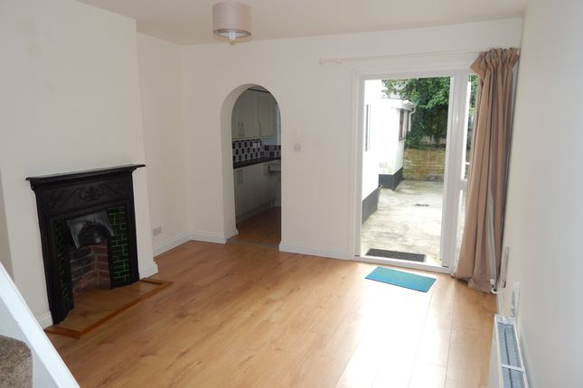 2 bed property to rent in West Street Place, Salisbury, Wiltshire SP2