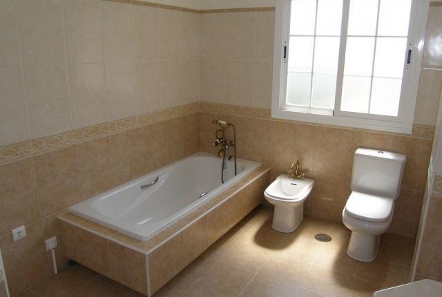 Bathroom 3 (2) of Spain, Málaga, Benalmádena, Benalmádena Pueblo