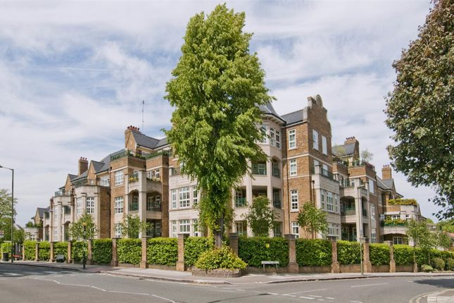 Flat to rent in Mountview Close, Hampstead Garden Suburb