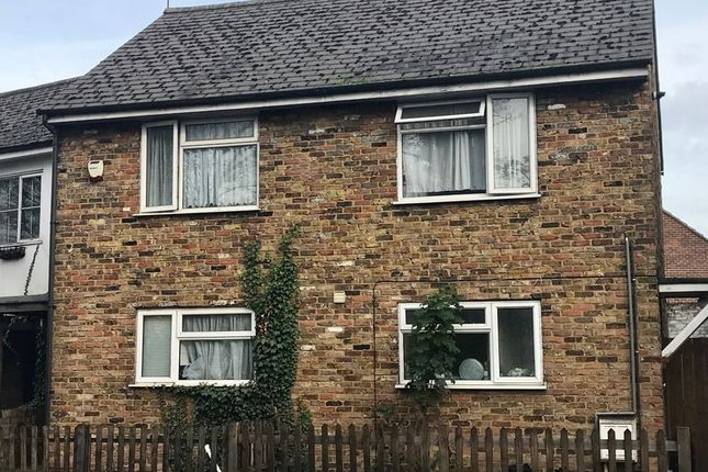 Thumbnail Cottage to rent in High Street, Cowley, Uxbridge, Middlesex
